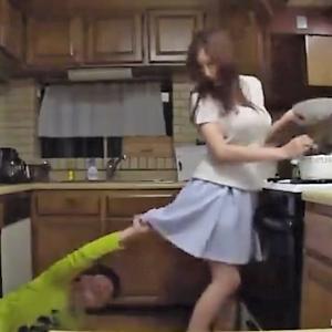 【中出しレイプ】巨乳お姉さんがエロガキに襲われ中出しの餌食に…!JURIA