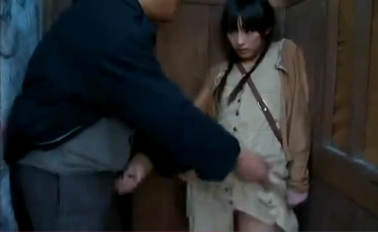 ヘンリー塚本【※レイプ※】トイレでオナニーしていた男に見つかり犯される…!