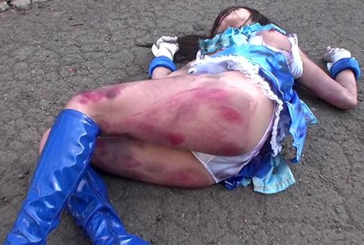 【※中出し強姦※】敵にいたぶられ痛々しい姿にされた女戦士に無慈悲な中出し強姦…!