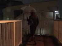 雨の夜に帰宅中の美人OLを狙ったリアルな中出しレイプ映像…!