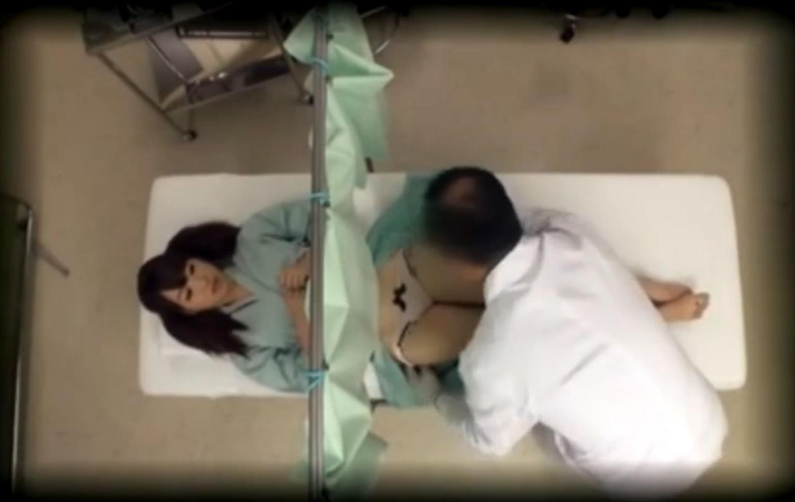 産婦人科に来た女性が悪徳医師に襲われ中出しレイプの餌食に…!