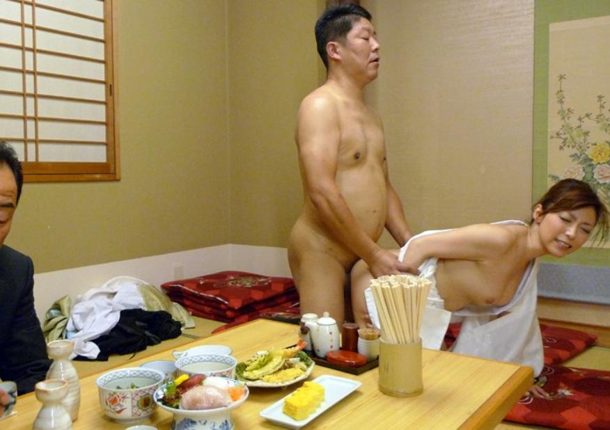 旅館の美人女将が客室で強引に挿入され生ハメレイプの餌食に…!