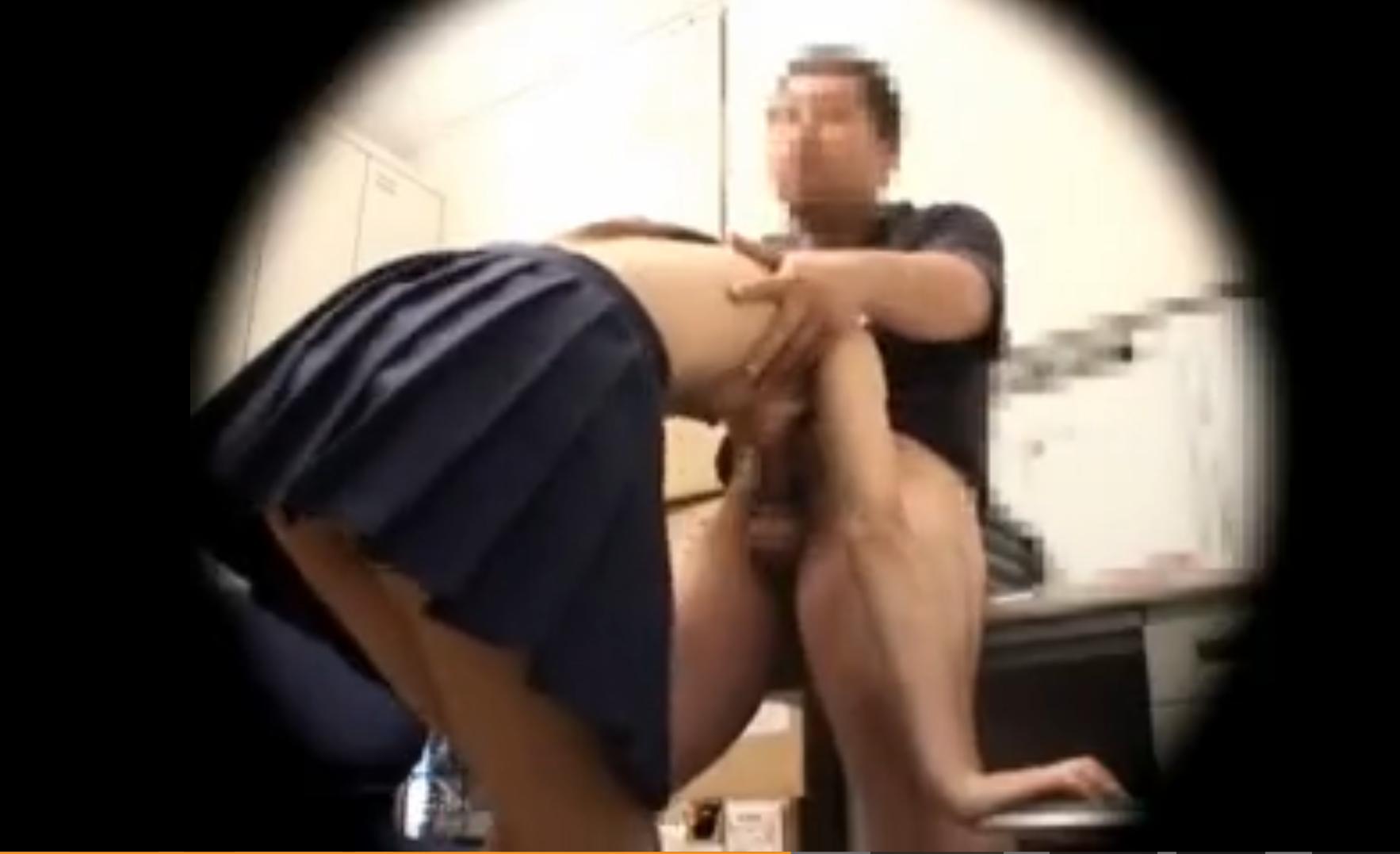 万引きJKが事務所に連れ込まれ犯される盗撮映像!密室で店長にレイプされ中出しの餌食に…!