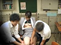 教育実習生を放課後の教室でレイプ!クロロホルムで昏睡させ無理やり挿入中出しレイプ…!