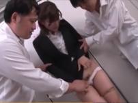 女教師に利尿剤を飲ませ凌辱!男子トイレで生フェラ強要どっぷり顔射レイプ…!