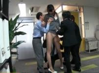 高身長の女OLが部下に襲われ犯される!スーツのまま会社内で生ハメ着衣レイプの餌食に…!