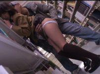 【※中出しレイプ※】図書館で勉強する冬服JKを犯す!大人しい様子を見て痴漢だけでなく生ハメ…!