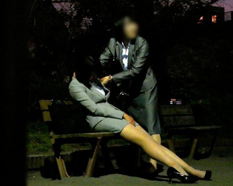 【※OLレイプ※】夜道で泥酔OLを連れ去り犯す!無防備なOLを場所を選ばず肉便器に…!