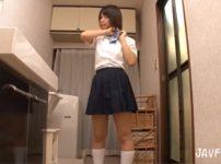 【※レイプ※】娘の友達の入浴中を狙い犯す!泊まりに来た若い女に理性を失い激しくレイプ…!