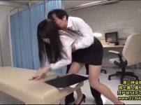 【※女教師レイプ※】写真流出を餌に無理やり生徒に犯される!強制挿入に歪む表情が男の性欲を搔き立てる…!
